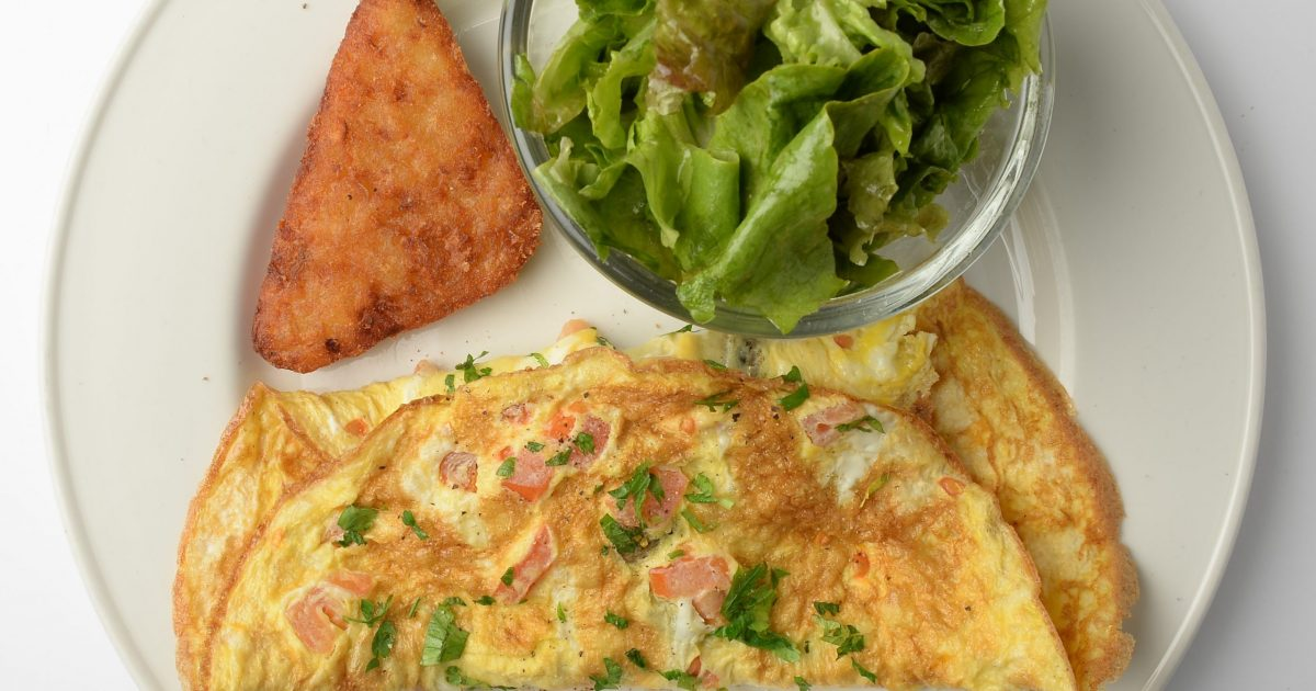 Urbanista Omelette with hash browns